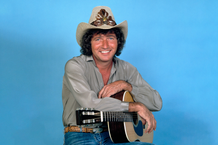 '70s Country Singer Mac Davis Has Passed Away